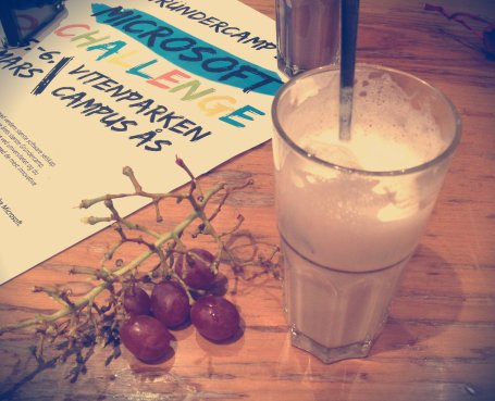 Chai Latte & Grapes